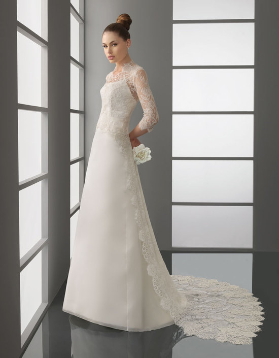 Romantic lace wedding dress from rosa clara bridal