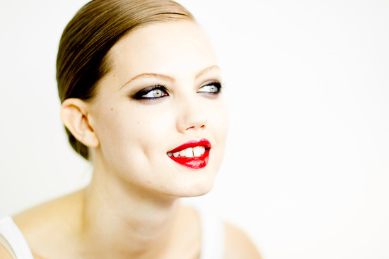 wedding makeup inspiration red lips dramatic eyes