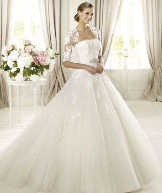 classic wedding dress for church ceremony by Pronovias glamour