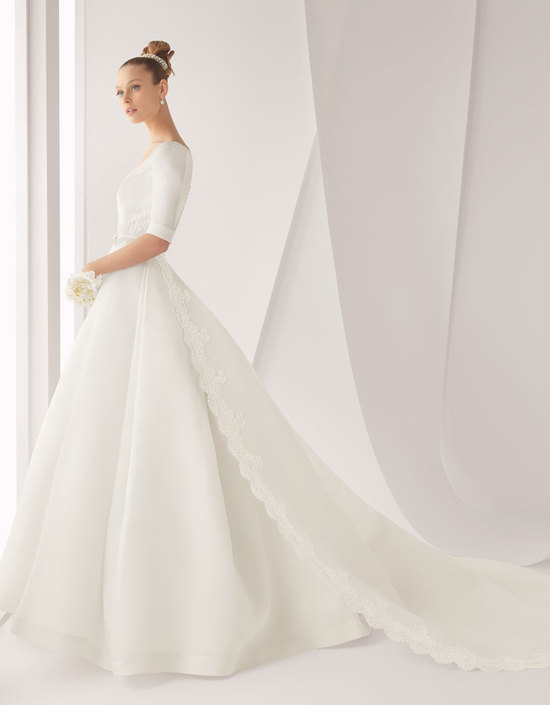 Classic wedding dress for church ceremony by Rosa Clara bridal