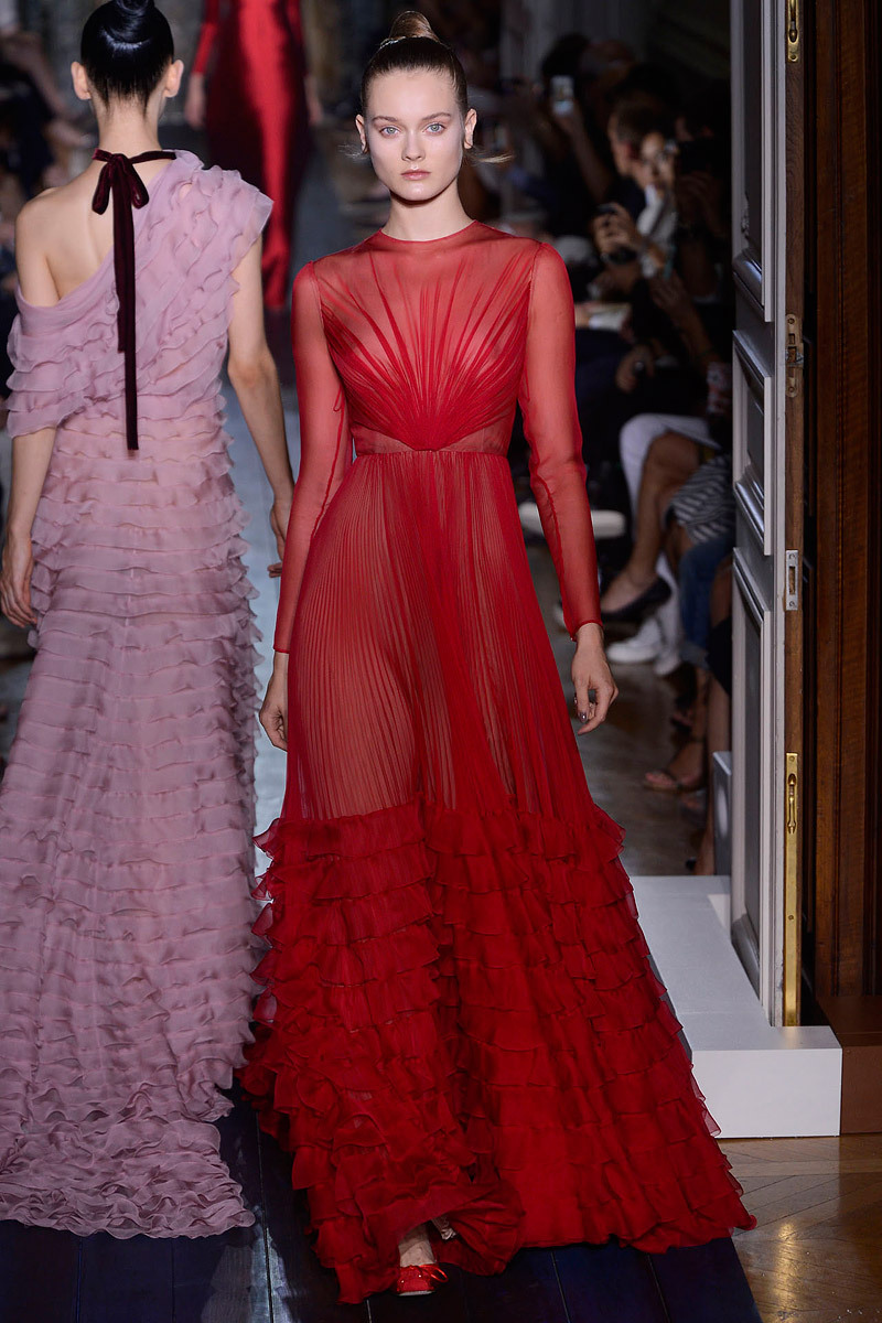 Runway-to-white-aisle-wedding-dress-bridesmaid-dress-inspiration-valentino-red-pink.full