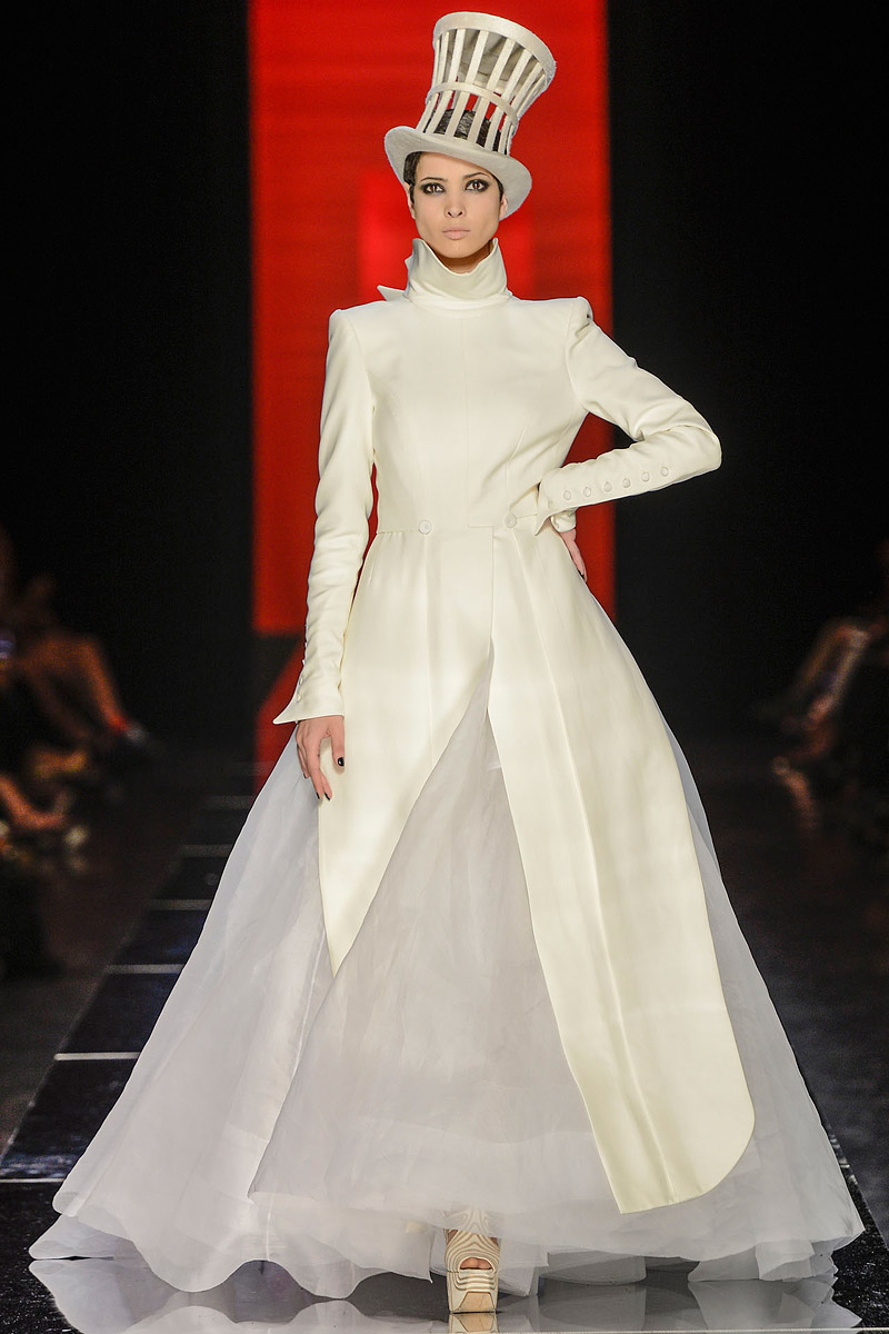 runway to white aisle wedding dress inspiration jean paul gaultier. Black Bedroom Furniture Sets. Home Design Ideas