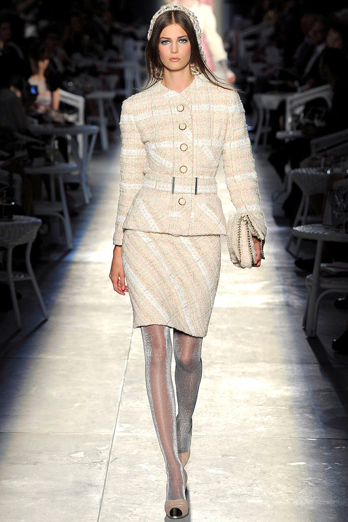 photo of Runway to White Aisle: Fall 2012 Couture