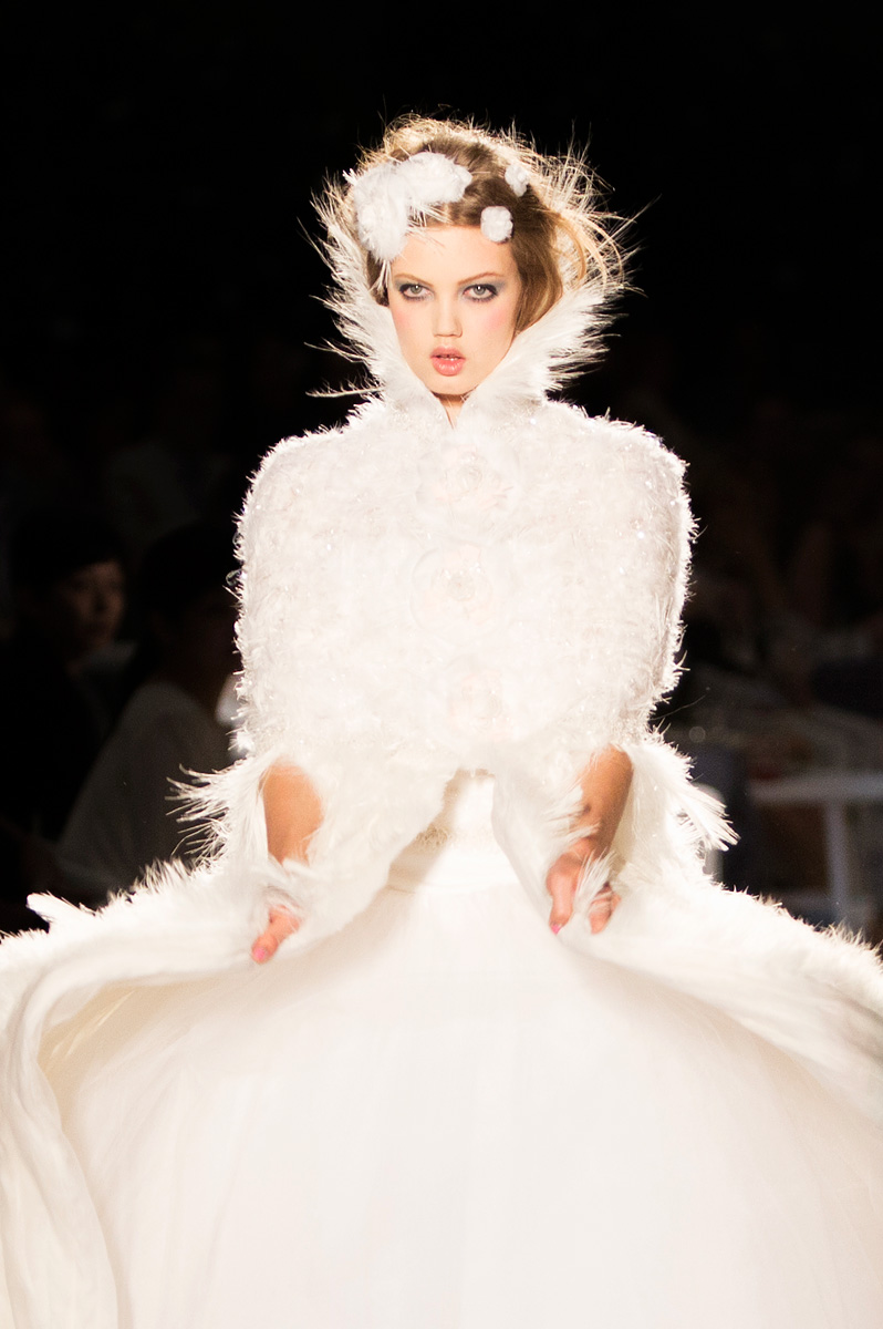Runway to white aisle wedding hair beauty inspiration for Haute hairie