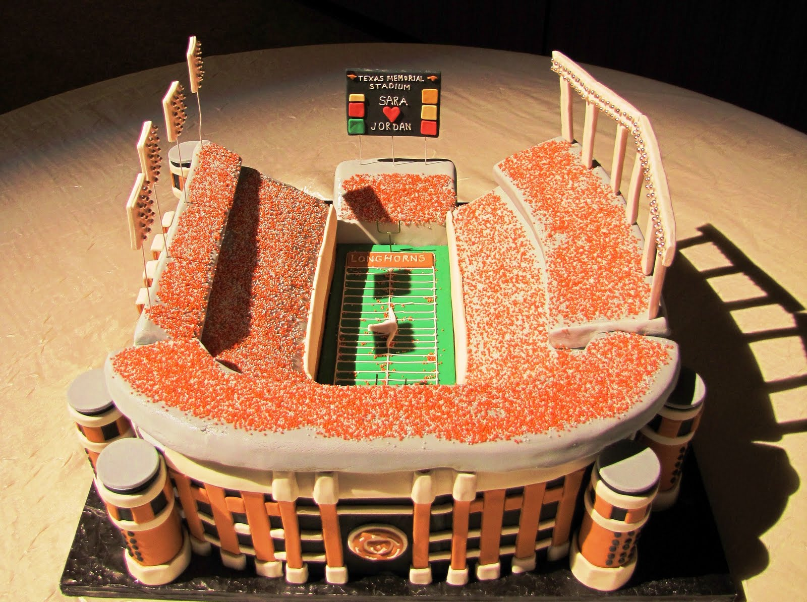 Unique Wedding Cake Ideas Grooms Cakes Sports Arena