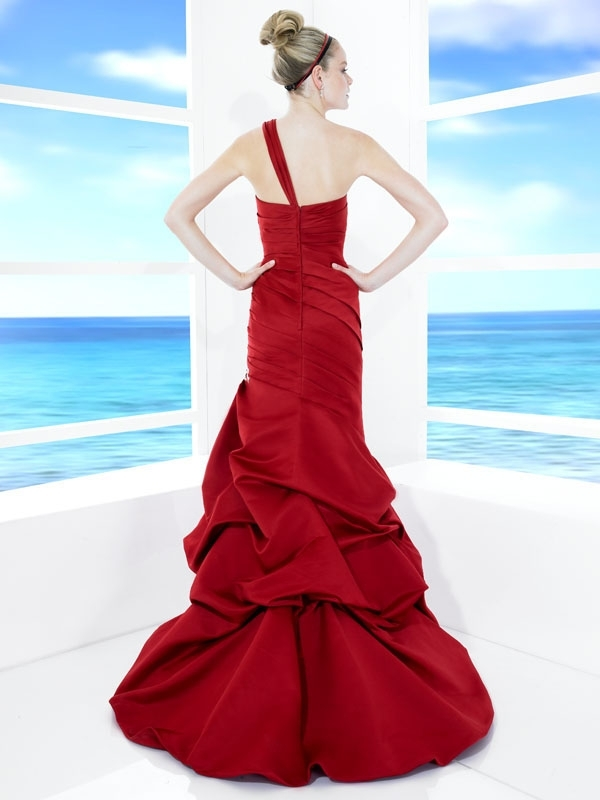 T483-red-one-shoulder-a-line-wedding-dress-drop-waist-back.full