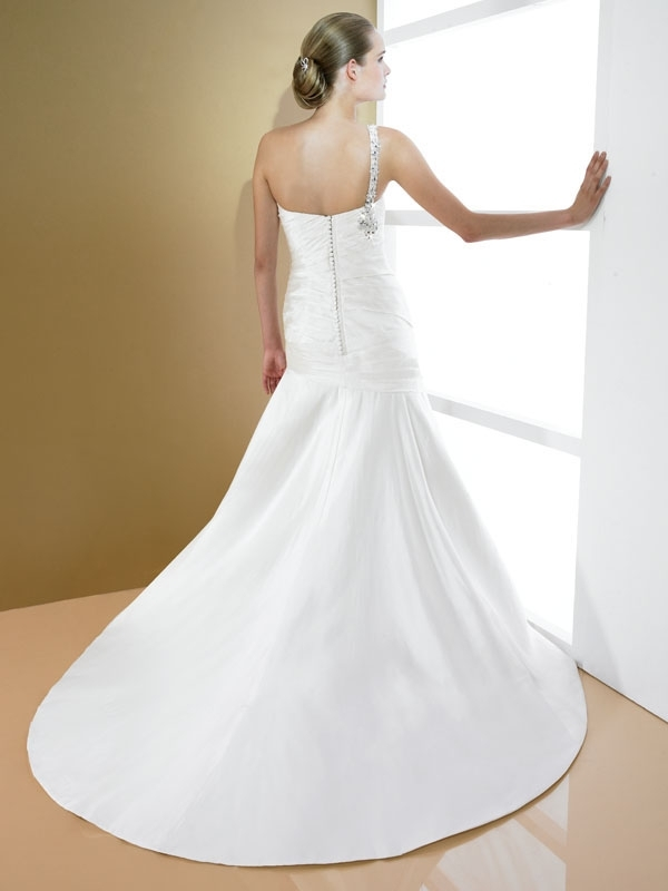 D7995-2011-wedding-dress-moonlight-bridal-one-shoulder-drop-waist-a-line-back.full
