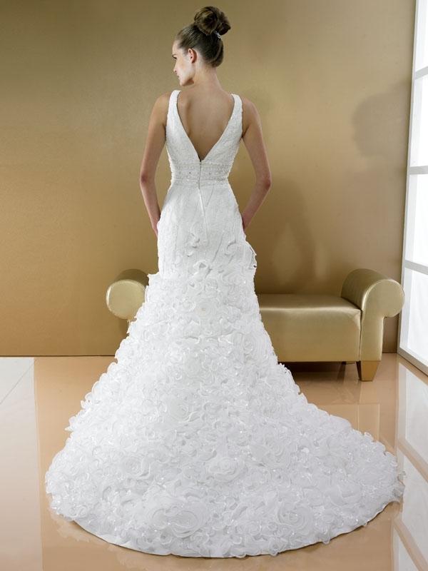 D7991-moonlight-bridal-2011-white-wedding-dress-v-neck-ruffled-mermaid-silhouette-back.full