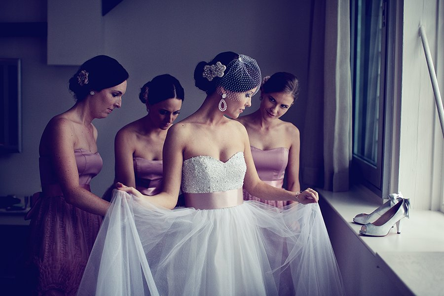 glamourous brides guide to wedding day style bridal updo with dazzling brooch