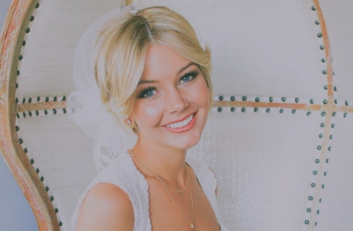 glamourous brides guide to wedding day style short blonde hair