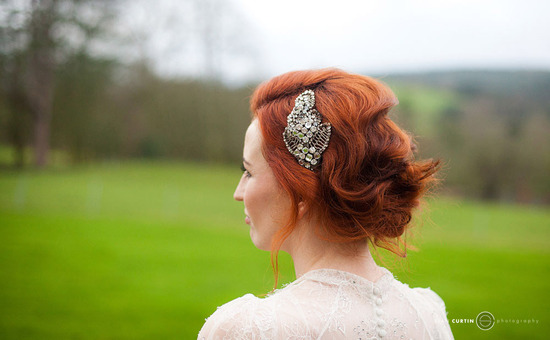 glamourous brides guide to wedding day style vintage updo