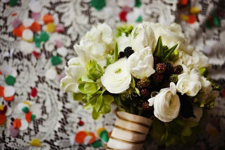 Elegant-bridal-bouquet-ivory-green.full