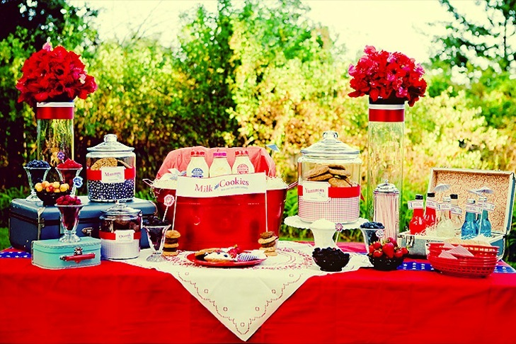Red-white-and-blue-wedding-inspiration-4th-of-july-weddings-vintage-americana-retro-style-1.full