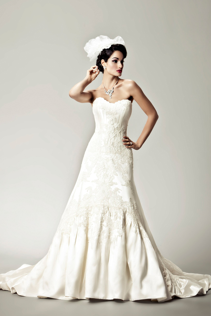 photo of 15 Divine Wedding Dresses for the Vintage Glam Bride