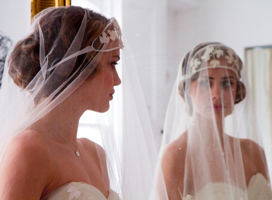Vintage-bridal-veil-1920s-wedding-style.full