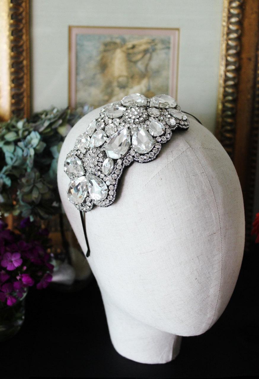 Downton-abbey-wedding-inspiration-vintage-weddings-bridal-headpiece.full