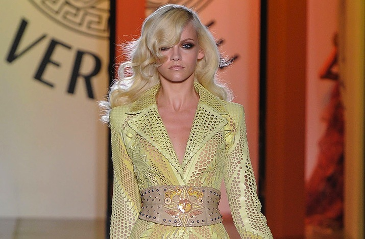 wedding hair inspiration catwalk to white aisle for brides Versace 3