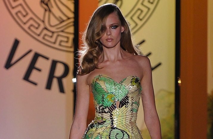 wedding hair inspiration catwalk to white aisle for brides Versace 4