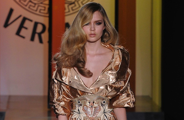 wedding hair inspiration catwalk to white aisle for brides Versace 6