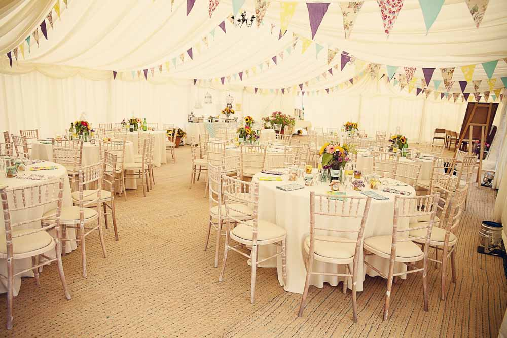 wedding bunting sweet life a la carte | OneWed.com
