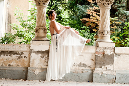 photo of Grecian-Inspired Wedding Finds for the Goddess In You