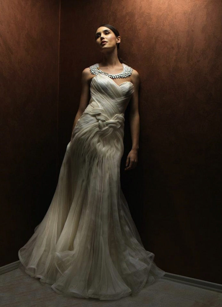 Dramatic-wedding-dress-with-sweetheart-neckline.full