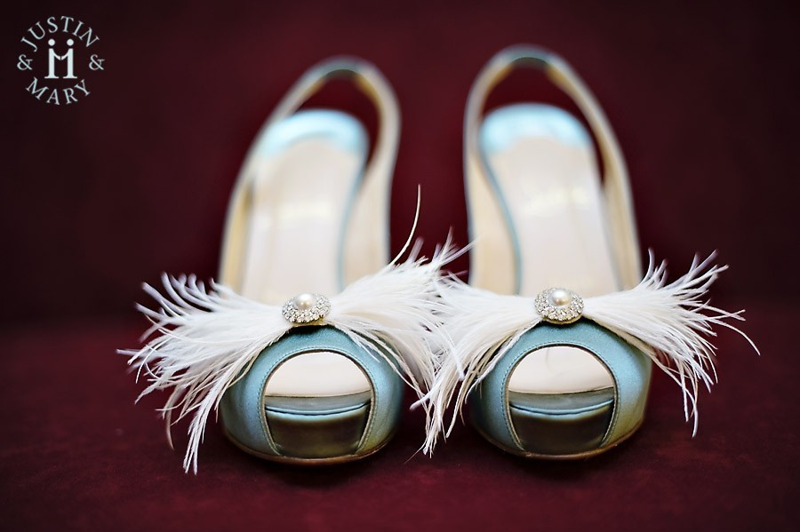 Vintage-inspired-wedding-accessories-peep-toe-shoes.full