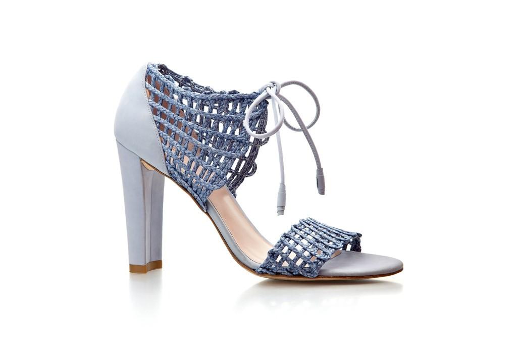 Light-lilac-wedding-shoes-crochet-details.full