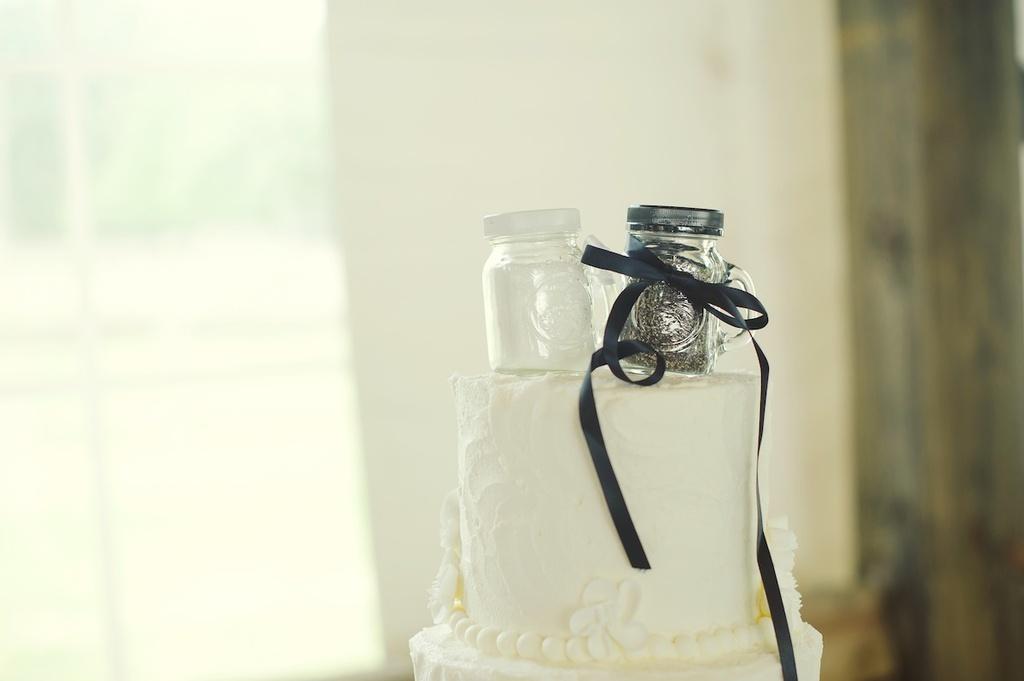Cute-wedding-cake-topper-rustic-elegant-real-wedding.full