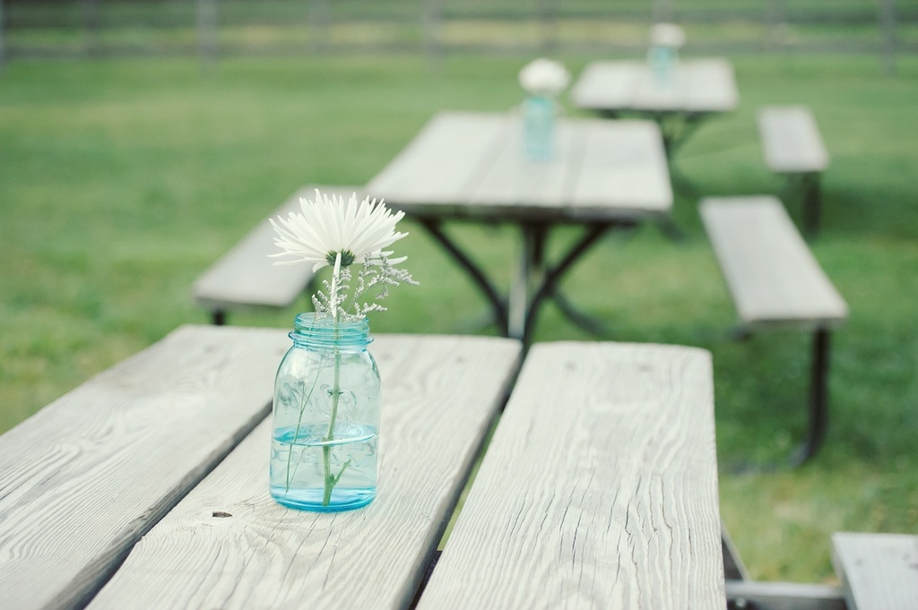 Simple-mason-jar-centerpieces-white-wedding-flowers.full