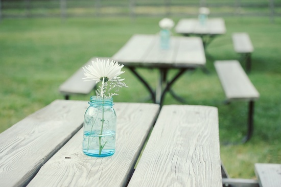 simple mason jar centerpieces white wedding flowers