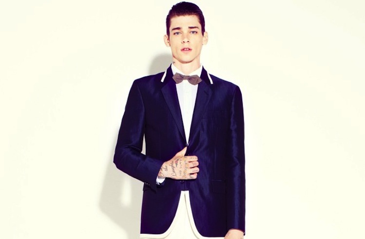 Marc-jacobs-wedding-style-for-grooms-navy-suit-coat.full