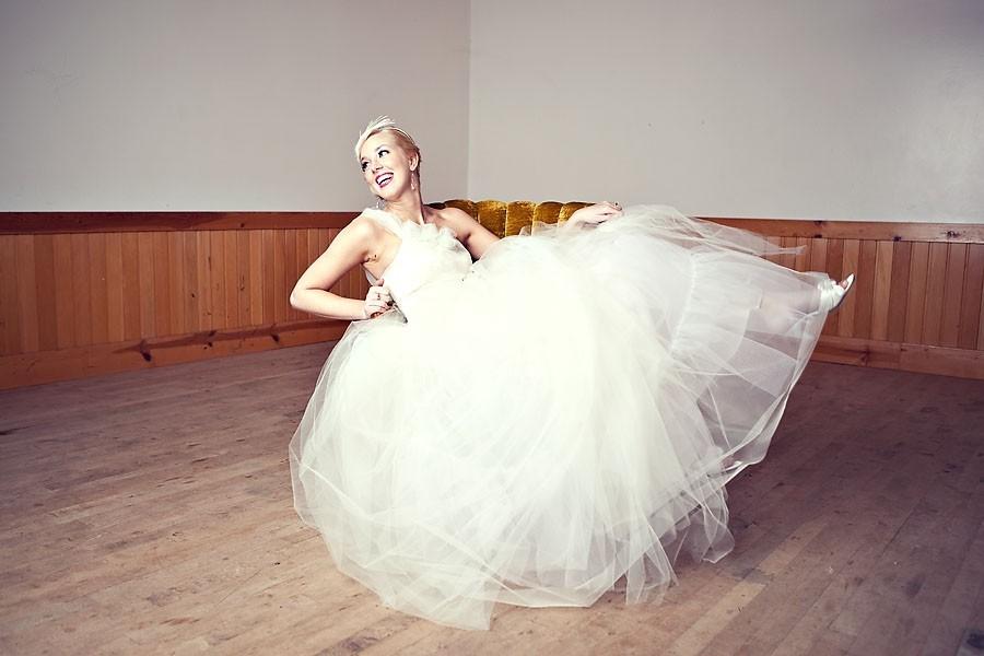 One-shoulder-tulle-wedding-dress-fairytale-bride.full