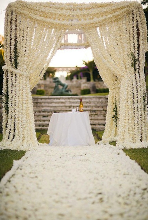 Outdoor-wedding-ceremony-ideas-next-big-bridal-blogger-finalist-4.full
