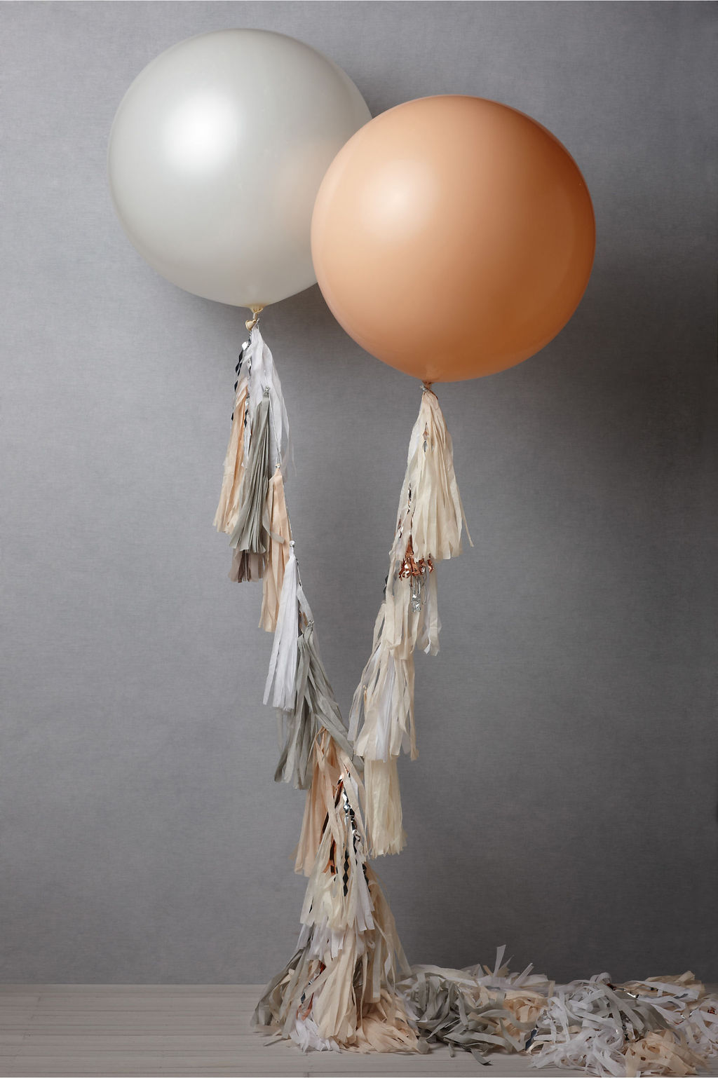 Bhldn-bridal-accessories-for-vintage-weddings-wedding-reception-decor-balloons.full