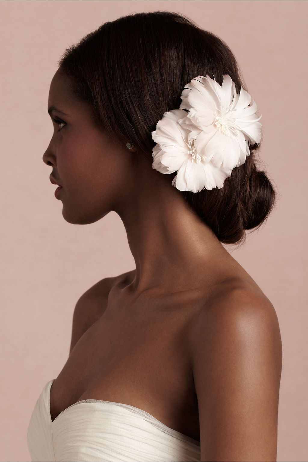 Bhldn-bridal-accessories-for-vintage-weddings-blush-pink-hair-flower.full
