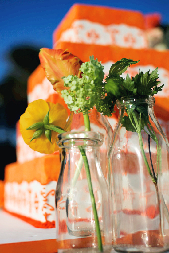tangerine white wedding cake simple wedding centerpieces