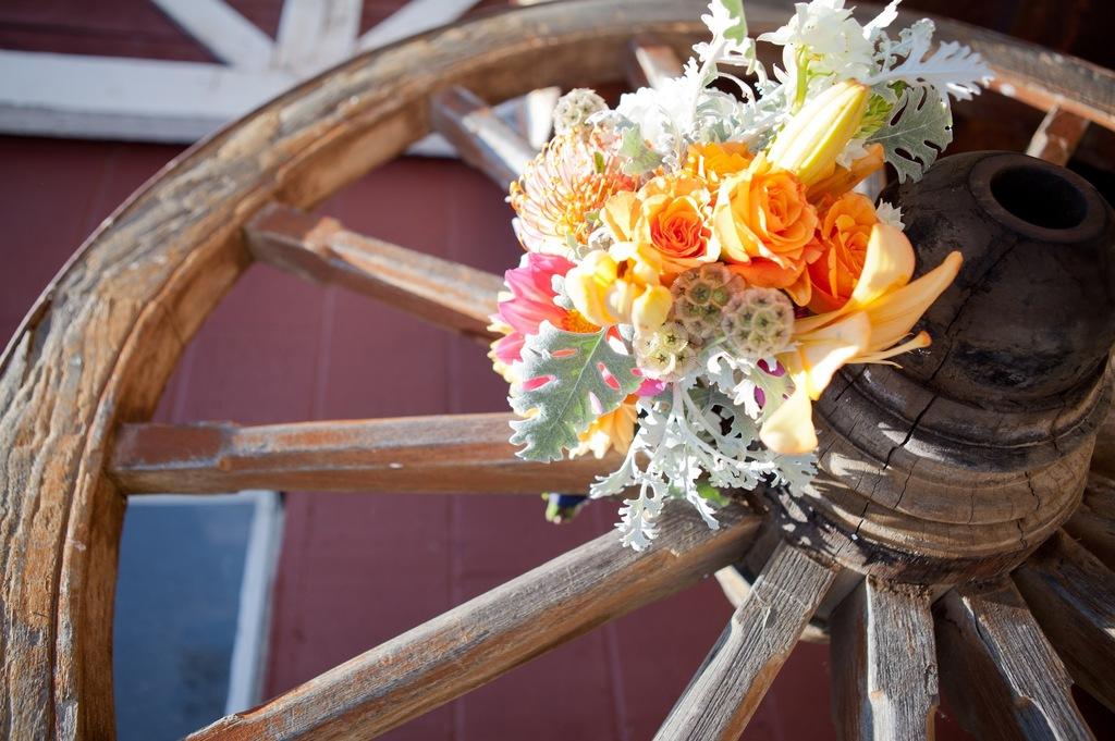 Fun-bridal-shower-theme-ideas-kentucky-derby-bridal-brunch-6.full