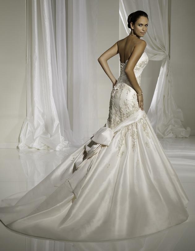 Y11113-spring-2011-wedding-dress-sophia-tolli-back.full