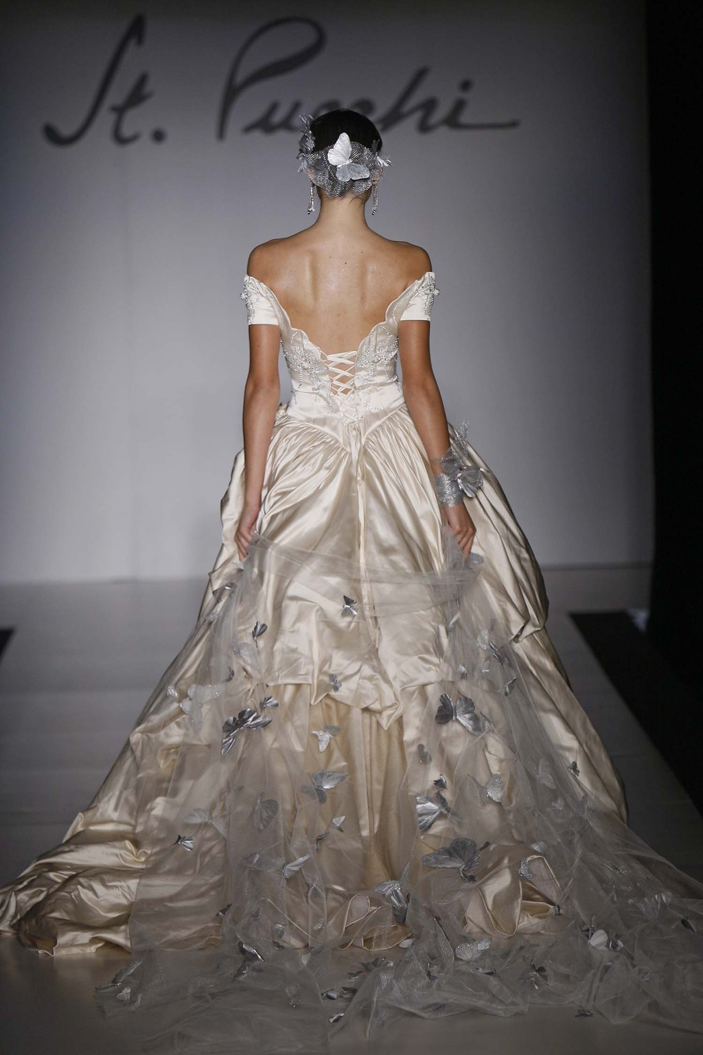 02_st_pucchi_style_9376_back.full