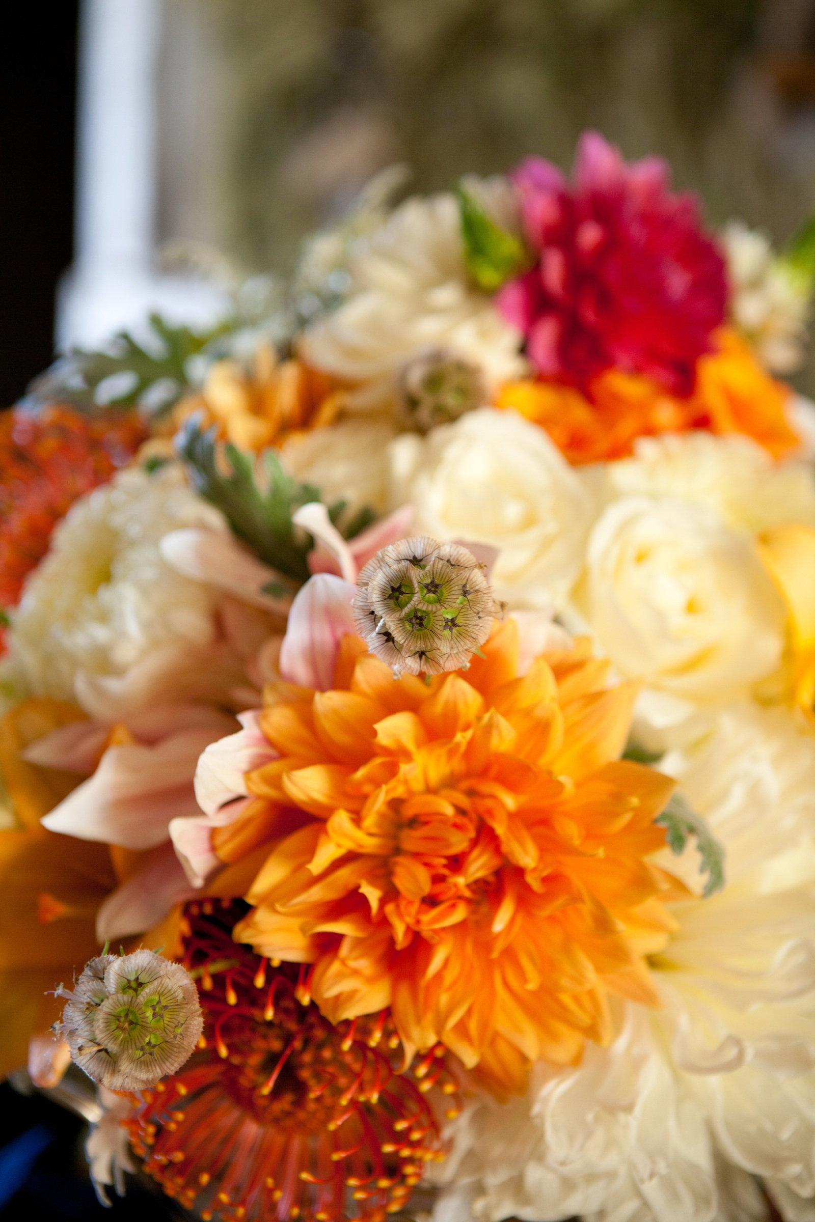 Kentucky-derby-inspired-wedding-theme-bridal-shower-inspiration-orange-ivory-centerpieces.original