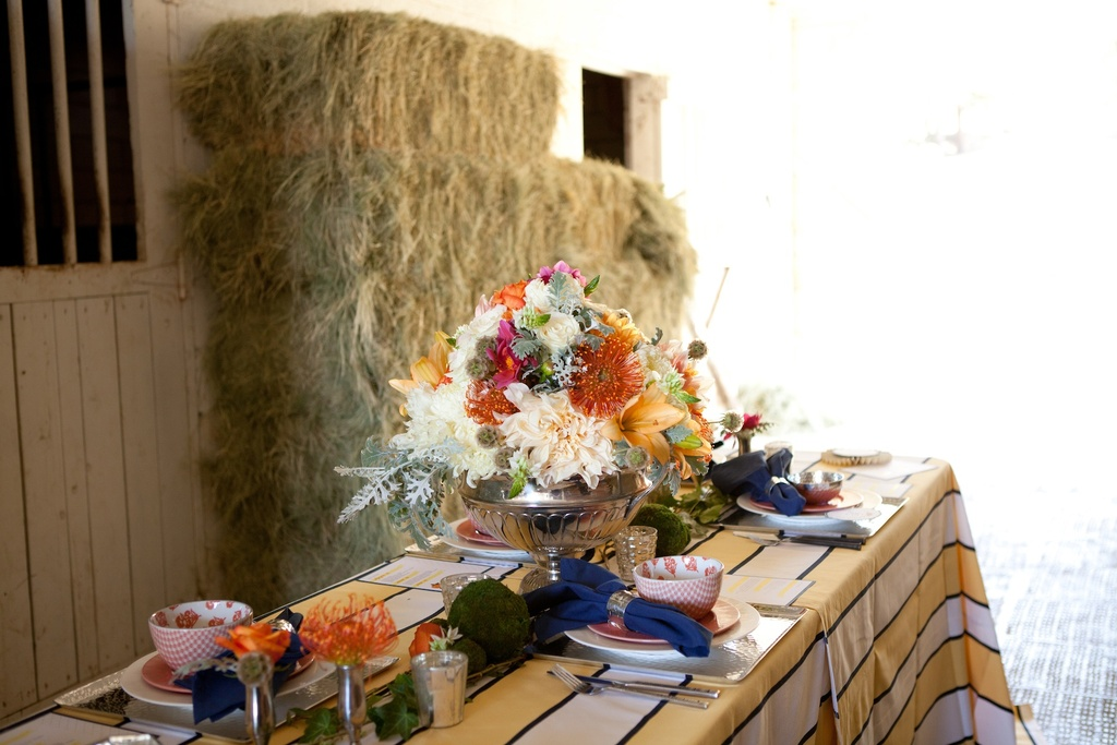 Kentucky-derby-inspired-wedding-theme-bridal-shower-inspiration-rustic-tablescape.full