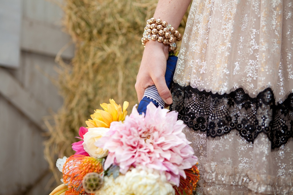 Kentucky-derby-inspired-wedding-theme-bridal-shower-inspiration-romantic-bouquet.full