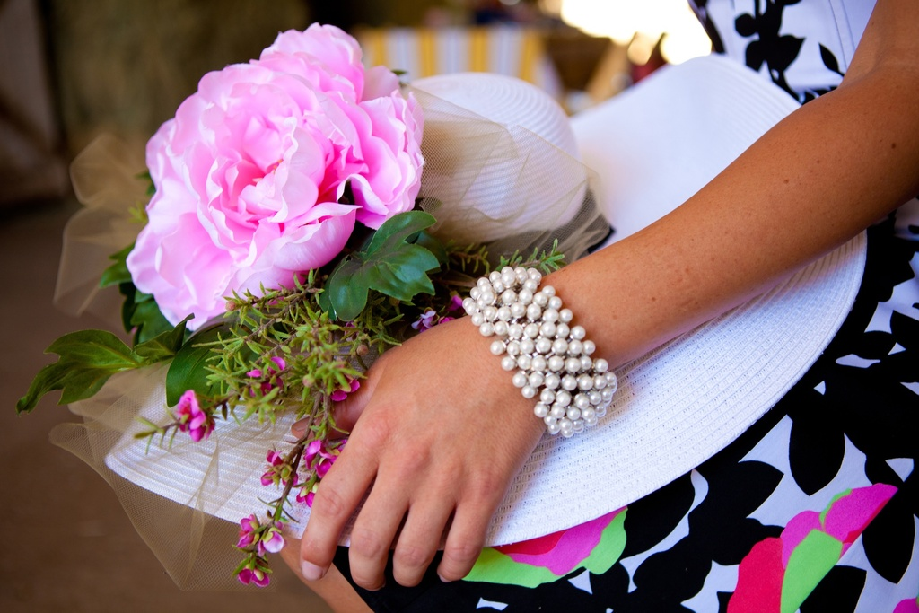 Kentucky-derby-inspired-wedding-theme-bridal-shower-inspiration-decked-out-bridesmaid.full