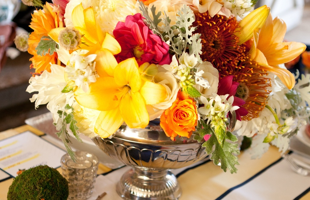 Kentucky-derby-inspired-wedding-theme-bridal-shower-inspiration-colorful-centerpiece.full
