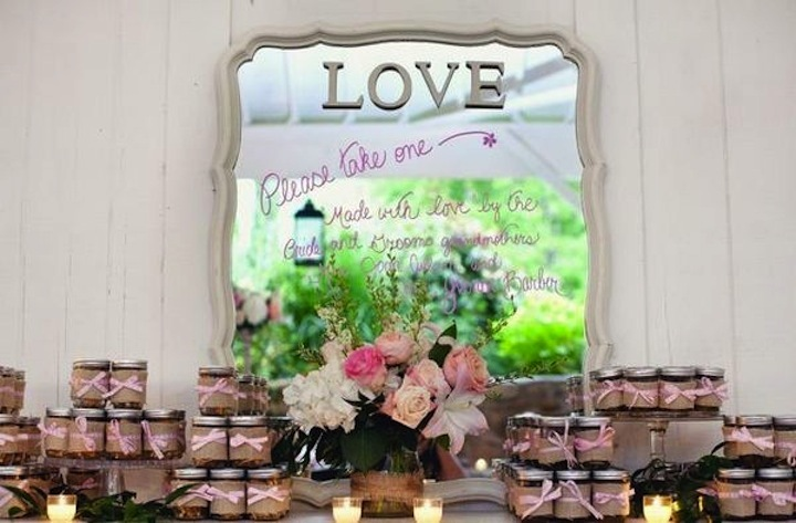 Vintage-romance-wedding-guest-favors-with-mirror-backdrop.full