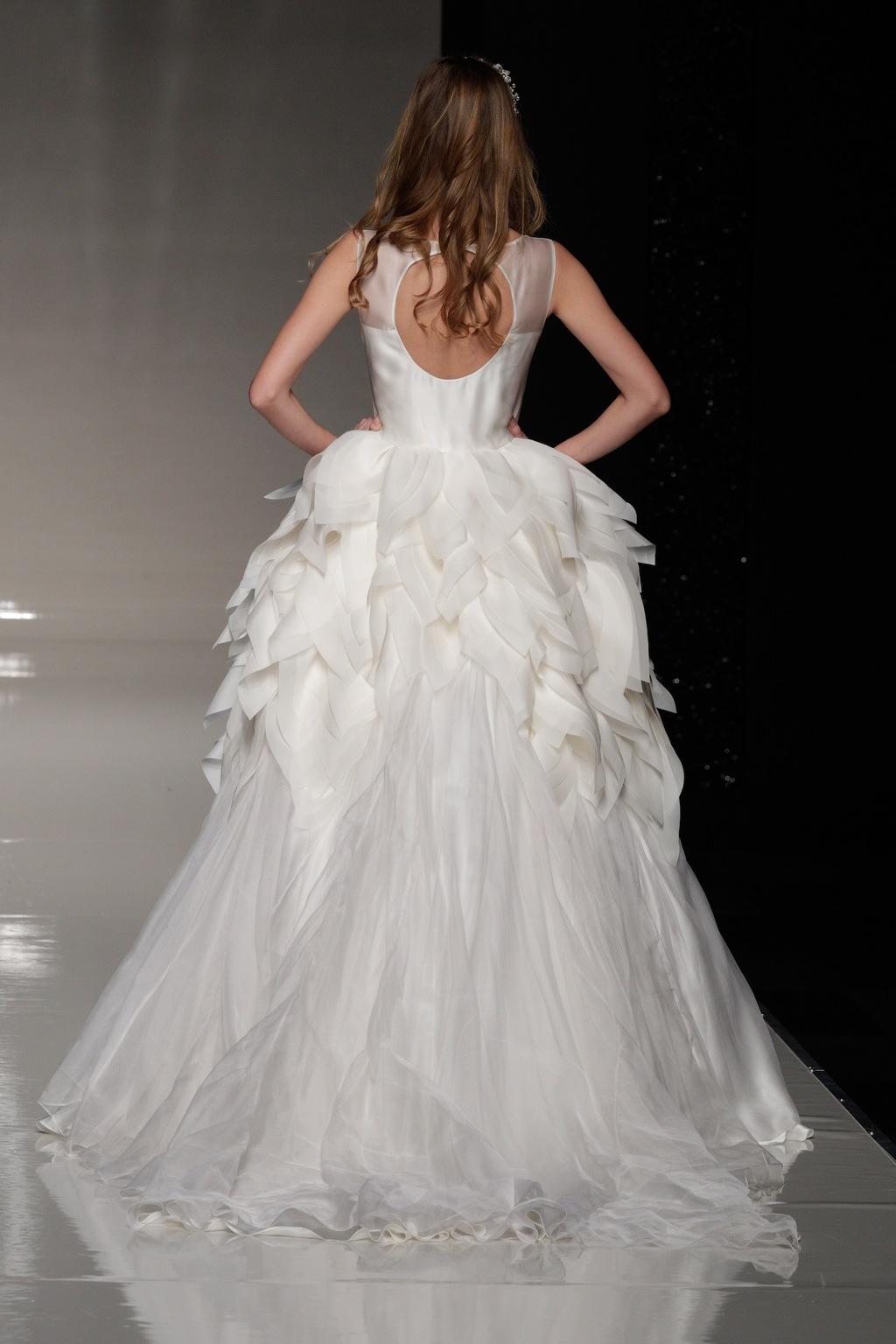 London-2013-wedding-dress-international-bridal-gowns-elizabeth-stuart-2-back.full