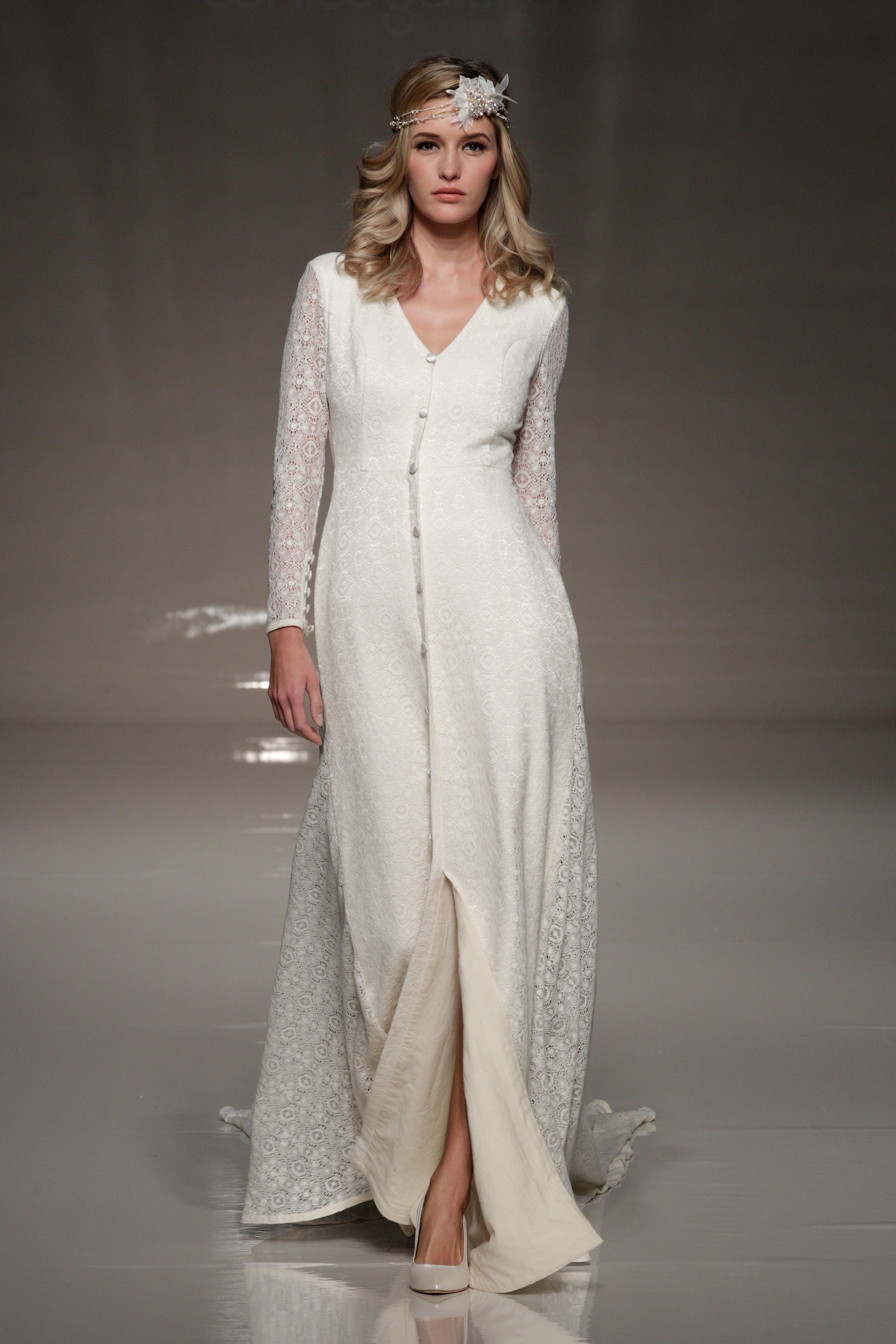 London-2013-wedding-dress-international-bridal-gowns-sanjuka-1.original