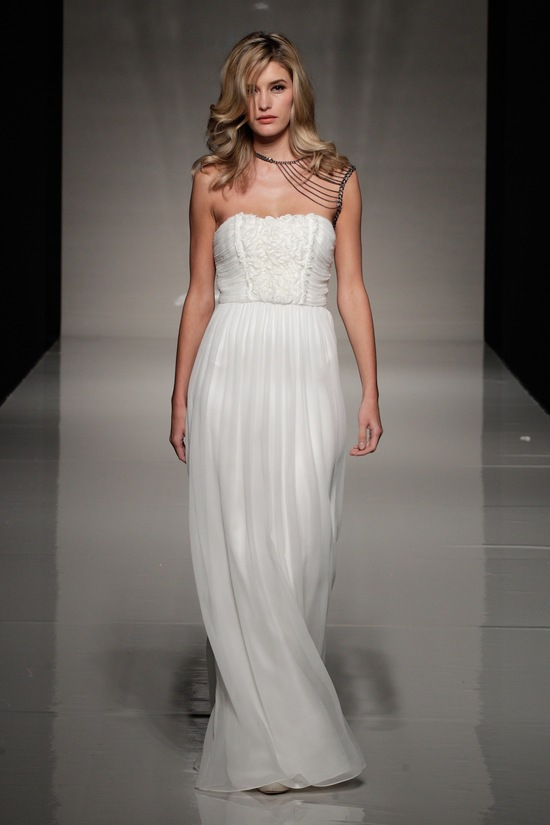 photo of london 2013 wedding dress international bridal gowns sanjuka Kisui 3