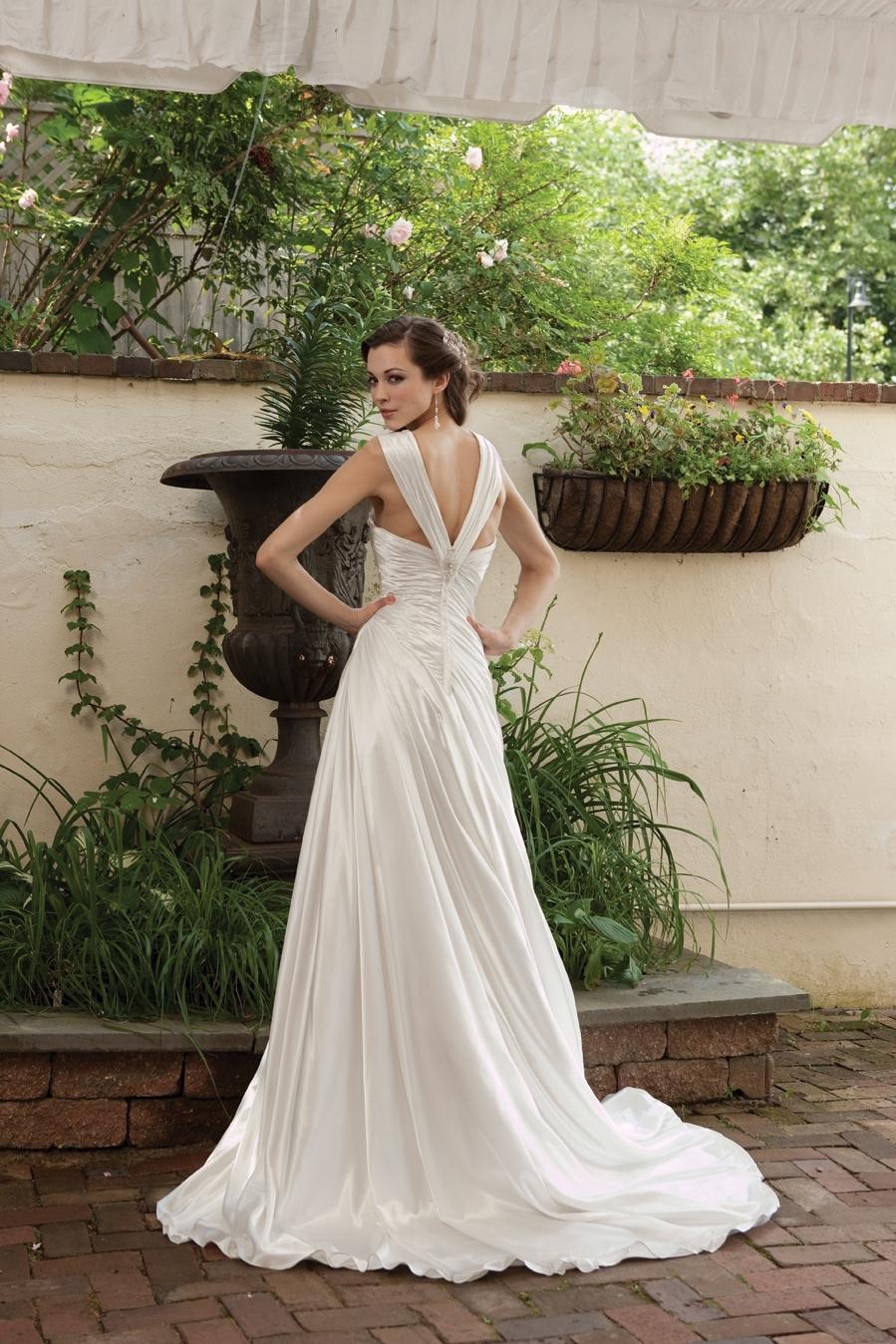 G231119-spring-2011-wedding-dress-2bebride-back.full